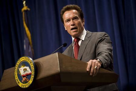 California Governor Arnold Schwarzenegger proposes his $83.4 billion state budget plan in Sacramento, California May 14, 2010. REUTERS/Max Whittaker
