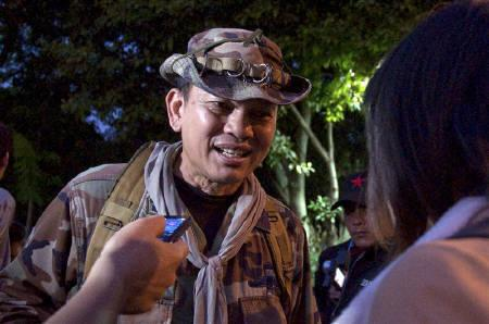 Renegade Thai major-general Khattiya Sawasdipol is seen moments before being shot while being interviewed by Thai and foreign reporters in Bangkok in this May 13, 2010 file photo. REUTERS/Cyrille Andres