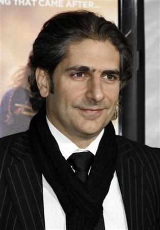 Cast member Michael Imperioli arrives for the premiere of the film ''The Lovely Bones'' in Hollywood December 7, 2009. REUTERS/Jason Redmond