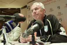 <p>Eriksson fala durante conferência em Montreux. O técnico da Costa do Marfim, o sueco Sven-Goran Eriksson, fez muitos elogios ao técnico da seleção brasileira, Dunga, que ele comandou por um ano na Fiorentina.20/05/2010.REUTERS/Denis Balibouse</p>