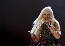 <p>U.S. singer Christina Aguilera performs at her concert in Emirates Palace in Abu Dhabi October 24, 2008. REUTERS/Mosab Omar</p>