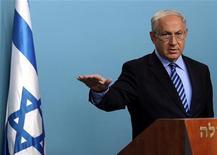 """<p>Премьер-министр Израиля Биньямин Нетаньяху выступает с телеобращением в Иерусалиме 2 июня 2010 года. Премьер-министр Израиля Биньямин Нетаньяху назвал """"лицемерием"""" и """"предвзятостью"""" критику, обрушившуюся на его страну в связи с блокадой сектора Газа. REUTERS/Jim Hollander/Pool</p>"""