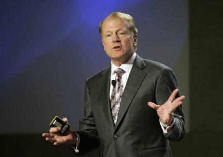 John Chambers, CEO of Cisco Systems, speaks during a news conference at at the 2010 International Consumer Electronics Show (CES) in Las Vegas, Nevada, January 6, 2010.  REUTERS/Steve Marcus/Files