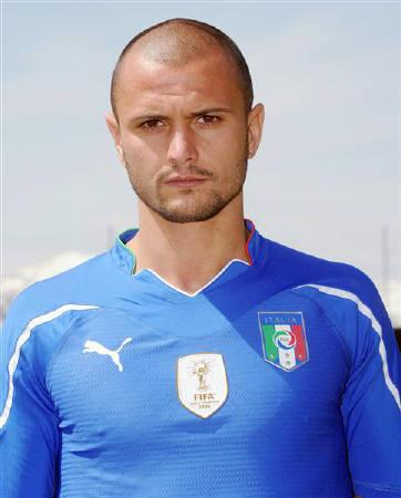 Italy's Simone Pepe poses for the official photograph during a training session in Sestriere, an alpine village in northwest Italy, May 26, 2010. REUTERS/ANSA/Pool/Files