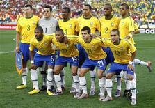 <p>Jogadores que atuaram contra Portugal, no empate em 0 x 0: Brasil e Espanha lideram apostas para oitavas de final. REUTERS/Kai Pfaffenbach</p>