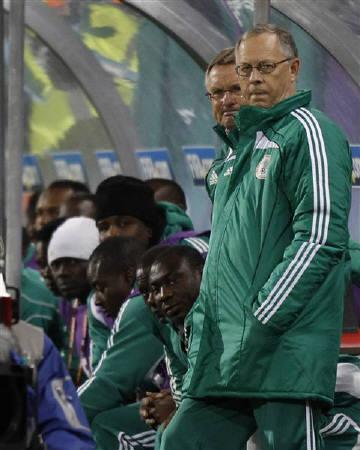 Nigeria's coach Lars Lagerback looks on during the 2010 World Cup Group B soccer match against Greece at Free State stadium in Bloemfontein June 17, 2010.  REUTERS/Christian Charisius/Files