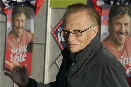 Talk show host Larry King, one of the stars of the film ''Swing Vote,'' poses as he arrives for the film's premiere in Hollywood, California July 24, 2008. REUTERS/Fred Prouser