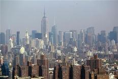 <p>The Manhattan skyline is seen from a helicopter in New York City, April 22, 2010. REUTERS/Jim Young</p>