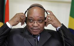 <p>O presidente sul-africano, Jacob Zuma, em coletiva de imprensa em Pretória, 9 de julho de 2010. Zuma disse para esquecer Paul, o polvo: na África, são os ossos que preveem o futuro. REUTERS/Thomas Mukoya</p>