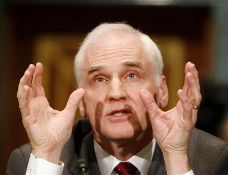Federal Reserve Board of Governors member Daniel Tarullo gestures during his testimony at the Senate Banking Committee on Capitol Hill in Washington July 23, 2009. REUTERS/Larry Downing