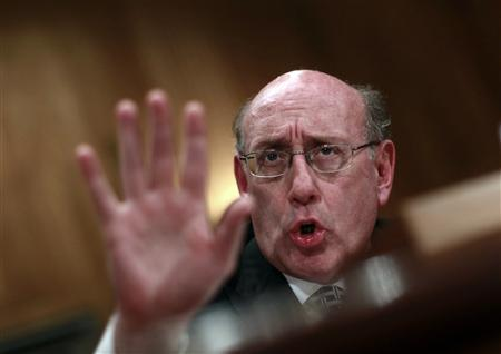 Administrator of the BP Oil Spill Victim Compensation Fund Kenneth Feinberg testifies before a Senate Homeland Security and Governmental Affairs hearing on Capitol Hill in Washington, July 22, 2010. REUTERS/Jim Young