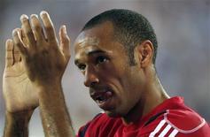 <p>Thierry Henry marcou seu primeiro gol pelo New York Red Bulls na derrota por 2 x 1 para o inglês Tottenham Hotspur, num amistoso. REUTERS/Jessica Rinaldi</p>
