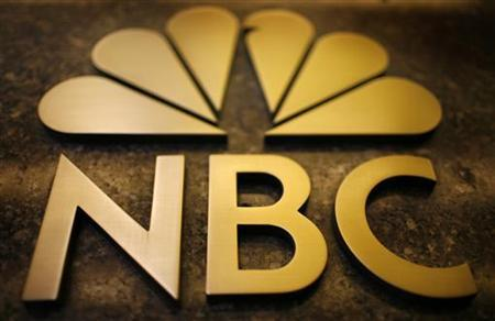 An NBC sign on the General Electric building in New York October 5, 2009. According to news reports Comcast Corp, the top U.S. cable service provider was in talks to buy a majority stake in NBC Universal from General Electric. REUTERS/Mike Segar