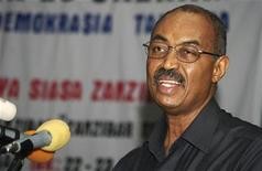 <p>Zanzibar's President Amani Karume addresses a conference on democracy in Stone Town, December 22, 2009. REUTERS/Katrina Manson</p>