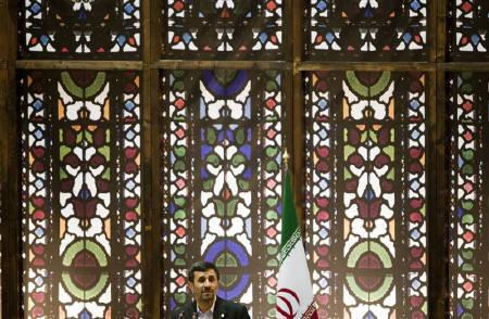 EDITORS' NOTE: Reuters and other foreign media are subject to Iranian restrictions on their ability to report, film or take pictures in Tehran.  Iran's President Mahmoud Ahmadinejad speaks during the Great Congress of Iranians Abroad, in Tehran August 2, 2010.   REUTERS/Morteza Nikoubazl/Files
