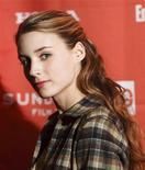 """<p>Atriz Rooney Mara chega ao lançamento do filme """"Dare"""" no Festival de Sundance em 2009. Mara foi escolhida para o papel da hacker punk Lisbeth Salander na adaptação de """"The Girl With the Dragon Tattoo"""" 19/01/2009 REUTERS/Danny Moloshok/Arquivo</p>"""