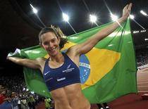 <p>Fabiana Murer ganhou a prova de salto com vara na etapa de Zurique e conquistou a Liga Diamante, série de competições da Associação Internacional das Federações de Atletismo (Iaaf). REUTERS/Michael Buholzer</p>