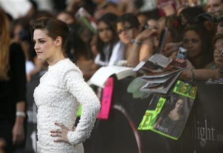 Cast member Kristen Stewart poses at the premiere of ''The Twilight Saga: Eclipse'' during the Los Angeles Film Festival at Nokia theatre at L.A. Live in Los Angeles June 24, 2010. REUTERS/Mario Anzuoni