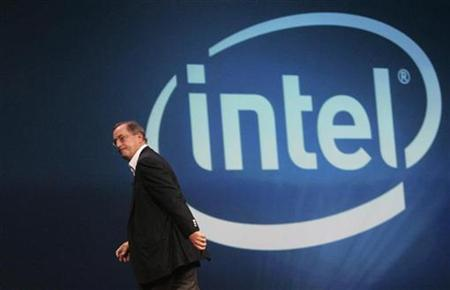 Intel Corporation President and CEO Paul S. Otellini walks off the stage following his keynote address at the Oracle OpenWorld conference in San Francisco, California in this September 23, 2008 file photo. REUTERS/Robert Galbraith
