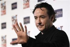 """<p>John Cusack durante estreia do filme """"A Ressaca"""" em Hollywood, em março. O filme estreia nesse final de semana em circuito nacional. 17/03/2010 REUTERS/Mario Anzuoni/Arquivo</p>"""