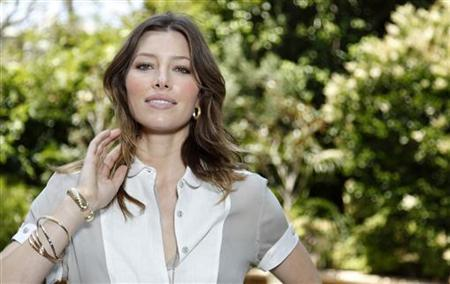 Jessica Biel poses for a portrait in Beverly Hills, May 20, 2009. REUTERS/Danny Moloshok