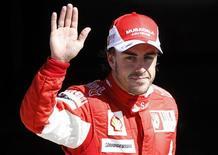 <p>Fernando Alonso colocou a Ferrari na pole position pela primeira vez desde o final de 2008. 11/09/2010 REUTERS/Stefano Rellandini</p>