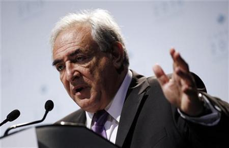 International Monetary Fund (IMF) Managing Director Dominique Strauss-Kahn speaks at his closing news conference at the G20 Summit in Toronto in this June 27, 2010 file photo. REUTERS/Jim Young