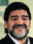 <p>Diego Maradona, ex-técnico da seleção argentina, está numa lista de três treinadores latino-americanos com chances de substituir Carlos Queiroz como técnico da seleção de Portugal. REUTERS/Enrique Marcarian</p>