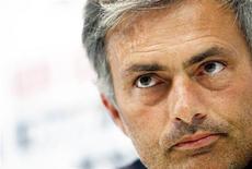<p>Técnico do Real Madrid, José Mourinho, durante coletiva de imrpensa em Madri. Mourinho disse que não aceitará uma oferta para assumir temporariamente o comando da seleção de Portugal para as partidas do mês que vem das eliminatórias da Eurocopa de 2012. 17/09/2010 REUTERS/Susana Vera</p>