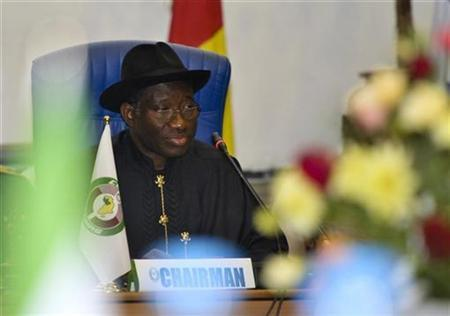 Nigeria's President Goodluck Jonathan attends an extra-ordinary meeting of the Economic Community of West African States (ECOWAS) on Guinea Bissau in Abuja September 17, 2010. REUTERS/Afolabi Sotunde