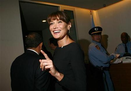 France's First Lady Carla Bruni-Sarkozy gestures during the Millennium Development Goals Summit at the U.N. headquarters in New York September 20, 2010. REUTERS/Eric Thayer