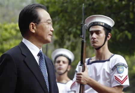 Chinese Premier Wen Jiabao inspects guards of honour during his visit in Athens October 2, 2010. REUTERS/John Kolesidis