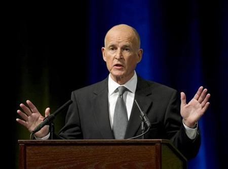 Democrat candidate Jerry Brown speaks at the first of three debates in the California governors race at the University of California in Davis September 28, 2010. REUTERS/Hector Amezcua/Pool