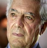<p>Foto de arquivo do escritor peruano Mario Vargas Llosa em Lima, 24 de fevereiro de 2010. Mario Vargas Llosa ganhou o Prêmio Nobel de Literatura nesta quinta-feira, 7 de outubro. REUTERS/Mariana Bazo</p>