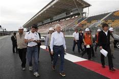 <p>Os dirigentes da Fórmula 1 aprovaram a realização nesse mês do Grande Prêmio da Coreia do Sul, disseram nesta terça-feira os organizadores da prova, após preocupações de que não haveria tempo hábil para concluir as obras no novo circuito. REUTERS/Handout/KAVO</p>