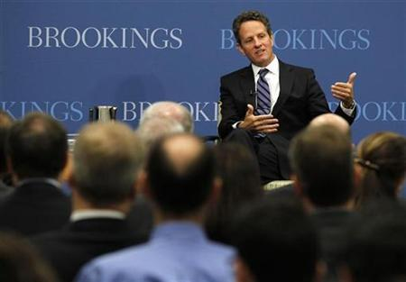 Treasury Secretary Tim Geithner speaks on U.S. economic policy at the Brookings Institution in Washington, October 6, 2010. REUTERS/Jason Reed
