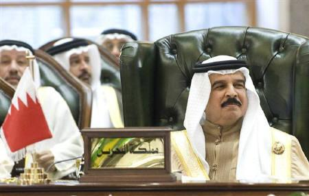 Bahrain's King Hamad bin Isa al-Khalifa in this December 15, 2009 file photo. Bahrain's elections on Saturday are unlikely to bring change to an assembly with little clout, but the government is leaving nothing to chance as it tightens security and makes it tougher for majority Shi'ites to vote. REUTERS/Stephanie McGehee/Files