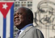 <p>Zambia's President Rupiah Bwezani Banda visits the Palace of the Revolution in Havana September 28, 2009. REUTERS/Desmond Boylan</p>