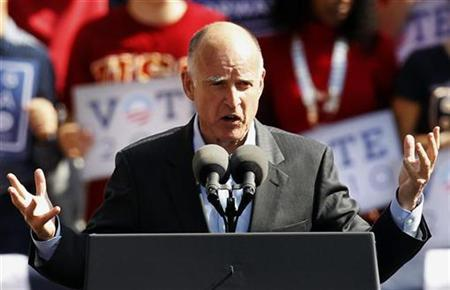 California Democratic gubernatorial candidate Jerry Brown speaks at a campaign rally in Los Angeles, California, October 22, 2010. REUTERS/Lucy Nicholson