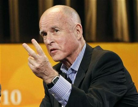 California Democratic gubernatorial candidate Jerry Brown makes a point during his appearance at the Women's Conference 2010 in Long Beach, California, October 26, 2010. REUTERS/Mario Anzuoni