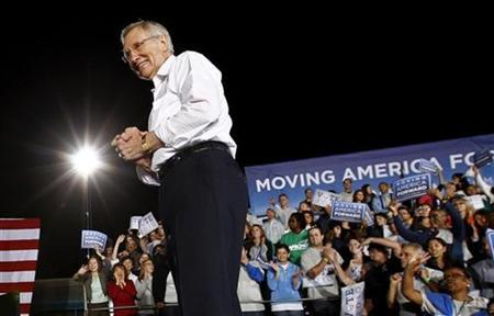 Nevada Senator Harry Reid acknowledges supporters during a campaign rally in Las Vegas, Nevada, October 22, 2010, after President Barack Obama spoke. REUTERS/Kevin Lamarque
