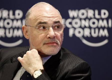 Leo Apotheker in Davos in this January 28, 2010 file photo. Apotheker takes over at Hewlett-Packard Co as the ghost of Mark Hurd haunts the halls, Oracle's Larry Ellison fires potshots from across Silicon Valley and Senate candidate Carly Fiorina is an ever present reminder of an inglorious chapter in company history. REUTERS/Michael Buholzer/Files