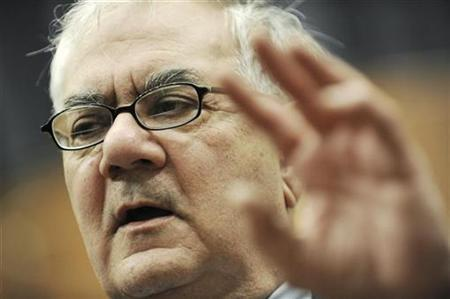U.S. Representative Barney Frank (D-MA) gestures during a news conference on issues before the House Financial Services Committee on Capitol Hill in Washington, November 3, 2009. REUTERS/Jonathan Ernst