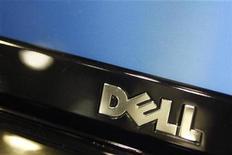 <p>Imagen de archivo del logo de Dell en un computador en Phoenix, Arizona. Feb 18 2010 Dell, el segundo mayor fabricante de computadoras del mundo, espera lanzar un número significativo de modelos de Tablet PC en el 2011, dijo el martes su presidente ejecutivo. REUTERS/Joshua Lott/ARCHIVO</p>