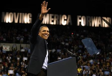 U.S. President Barack Obama attends a DNC Moving America Forward Rally at Cleveland State University in Ohio, October 31, 2010. REUTERS/Larry Downing