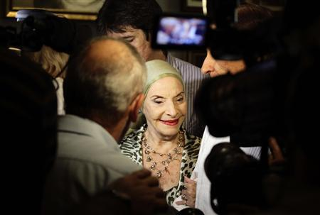 Alicia Alonso, Cuba's prima ballerina assoluta and director of the Cuban National Ballet, is interviewed by reporters at an event in Havana October 31, 2010. The 22nd International Ballet Festival is taking place in Havana till November 7. REUTERS/Desmond Boylan