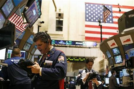 Traders work on the floor of the New York Stock Exchange, November 4, 2010. REUTERS/Lucas Jackson