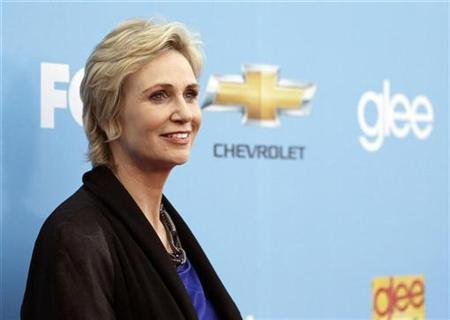 Cast member Jane Lynch poses at the premiere for the second season of the television series ''Glee'' at Paramount studios in Los Angeles September 7, 2010. REUTERS/Mario Anzuoni
