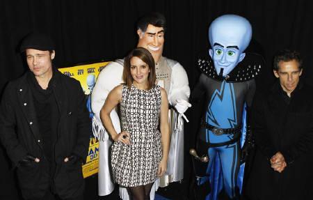 11月14日、北米映画興行収入ランキングは、3Dアニメのコメディ作品「メガマインド」が2週連続の首位に。写真は同作品に声優で出演したブラッド・ピット(左)ら。3日撮影(2010年 ロイター/Lucas Jackson)