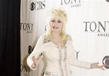 <p>Singer Dolly Parton is pictured in New York in this May 6, 2009 file photo. REUTERS/Lucas Jackson</p>